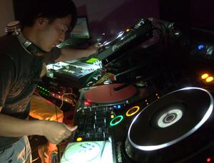 DJ-19@DIX_A.jpg